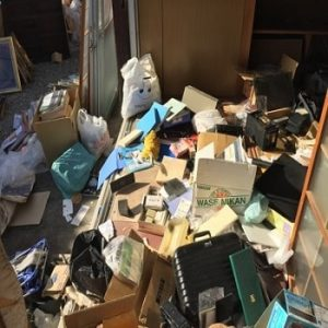 ゴミ部屋ゴミ屋敷「東京」断捨離等部屋の片付け作業なら安い業者