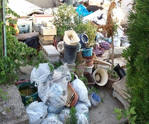 東京の庭の粗大ごみ回収