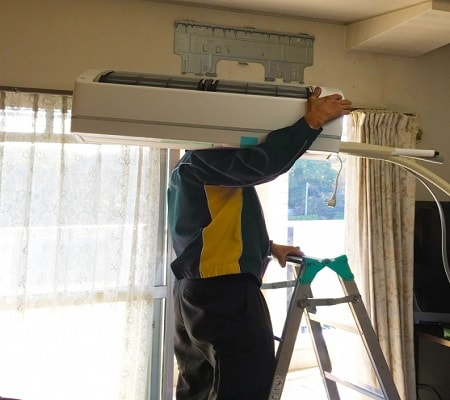 武蔵野市境の便利屋「室内機取付け」